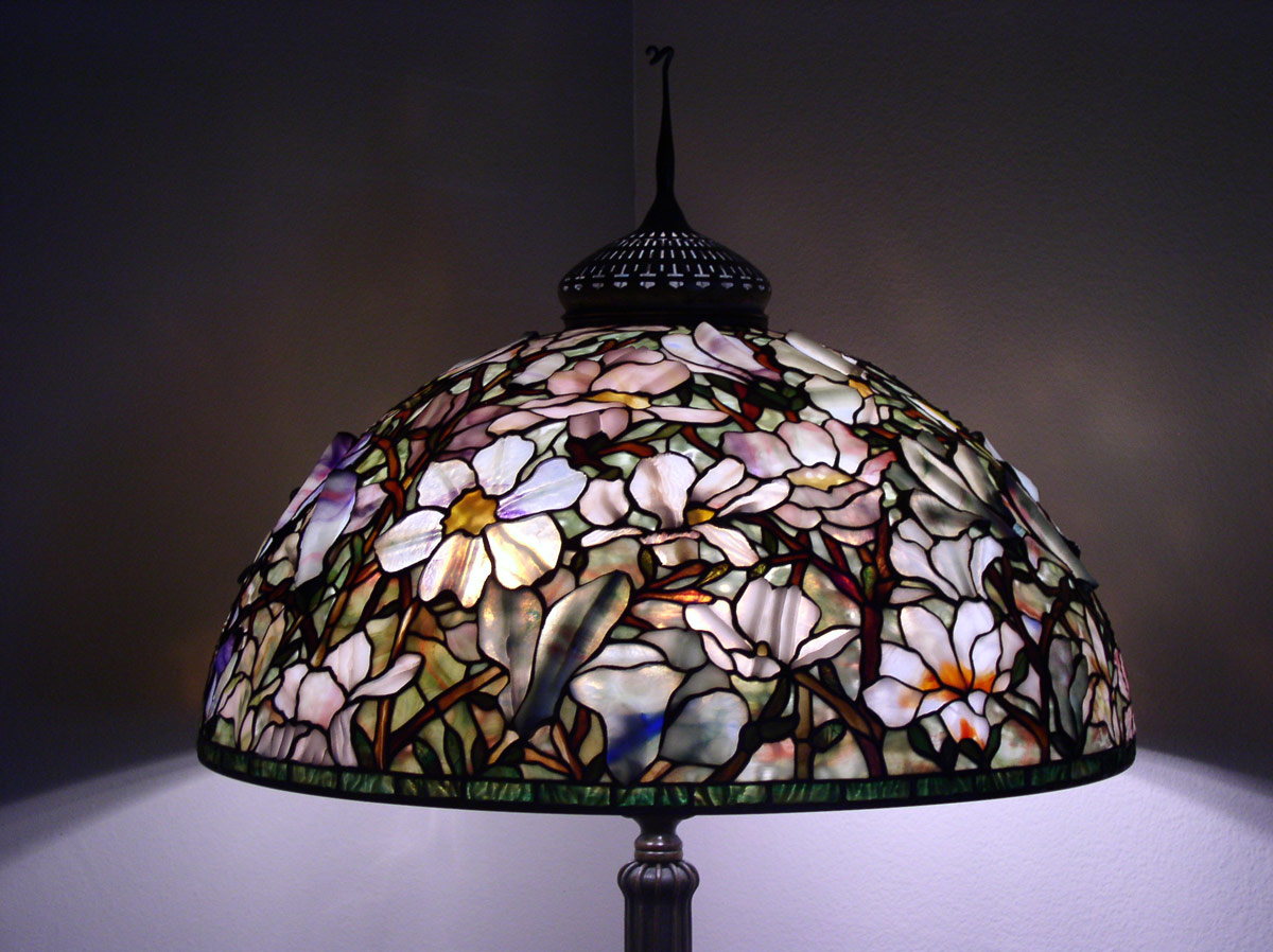 extra large tiffany lamp shades. Black Bedroom Furniture Sets. Home Design Ideas