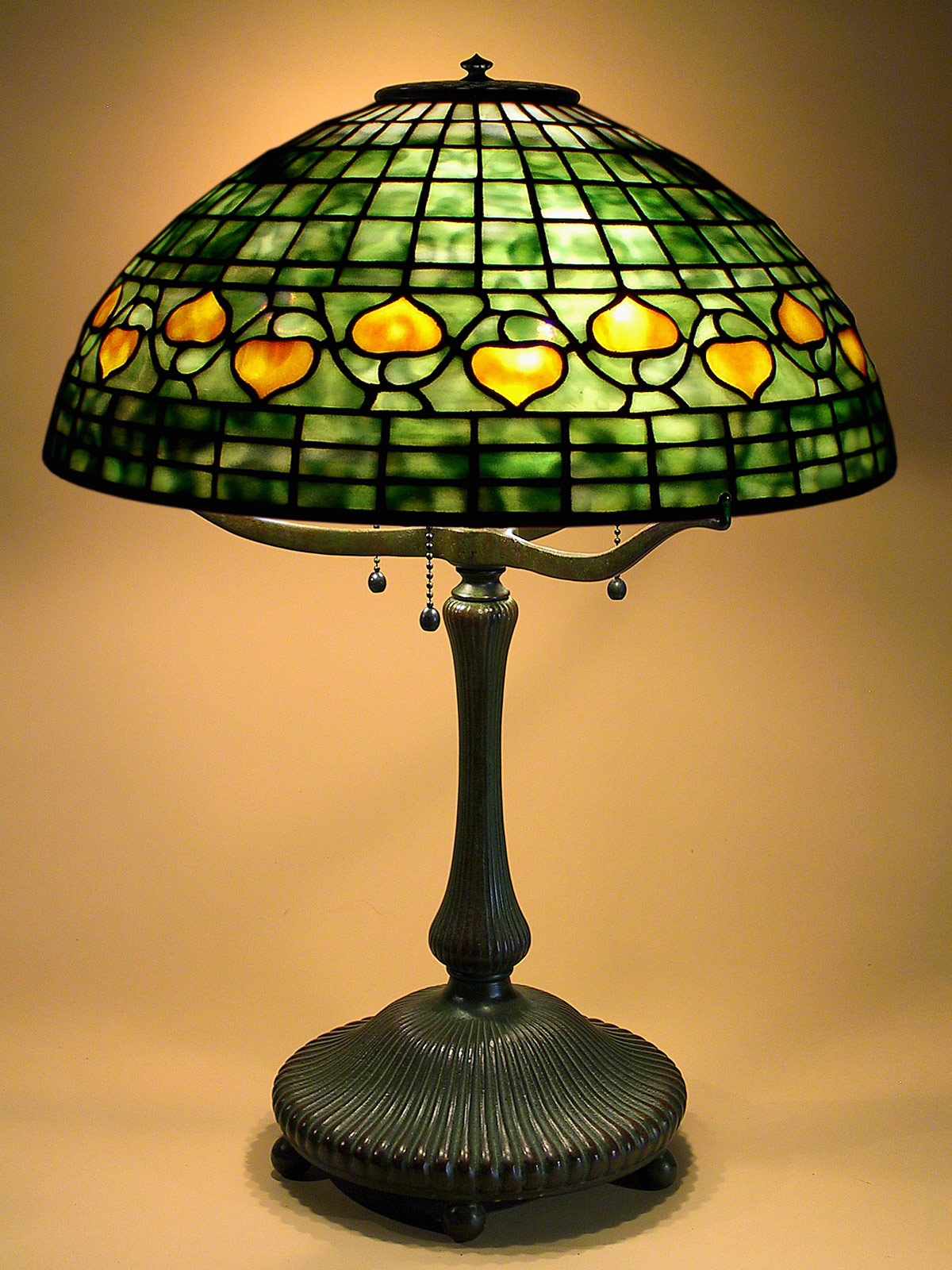 how to clean tiffany lamp shades